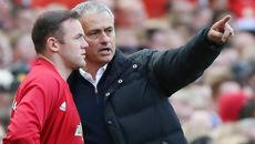 Rooney mất phong độ, Giggs bức xúc đổ lỗi Mourinho