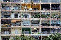 """Giới trẻ """"thổi hồn"""" vào các chung cư già nua ở Sài Gòn"""