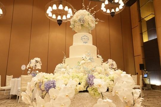 Tỷ phú Canada, Ninh Bình, chuỗi nhà hàng ăn nhanh, tỉ phú, đám cưới, đại gia, rước dâu, cô dâu,