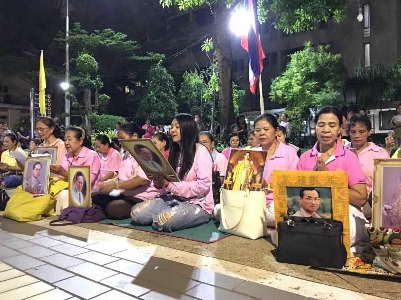 Quốc vương Thái Lan nguy kịch, cả nước nguyện cầu