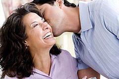 Muốn bỏ chồng vì chồng chỉ biết có mẹ, vợ con luôn xếp ở phía sau