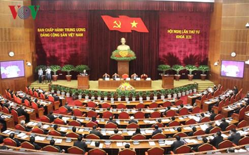 TƯ thảo luận về tiến trình hội nhập kinh tế quốc tế