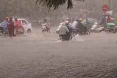 Áp thấp vào Thừa Thiên-Huế, miền Trung mưa to