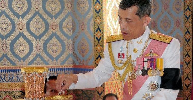 Vì sao Thái tử Thái Lan chưa muốn kế vị?