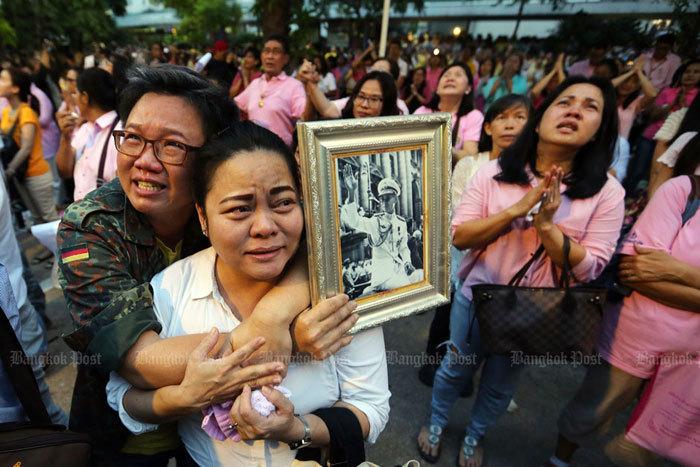 Lãnh đạo Việt Nam chia buồn sâu sắc khi Vua Thái Lan qua đời