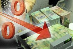 Ồ ạt giảm lãi suất cho vay: Cuối năm nhiều tiền