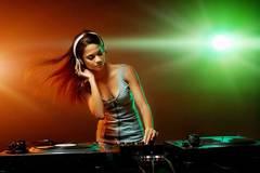 DJ hoảng loạn vì cái tát trời giáng của vợ đại gia