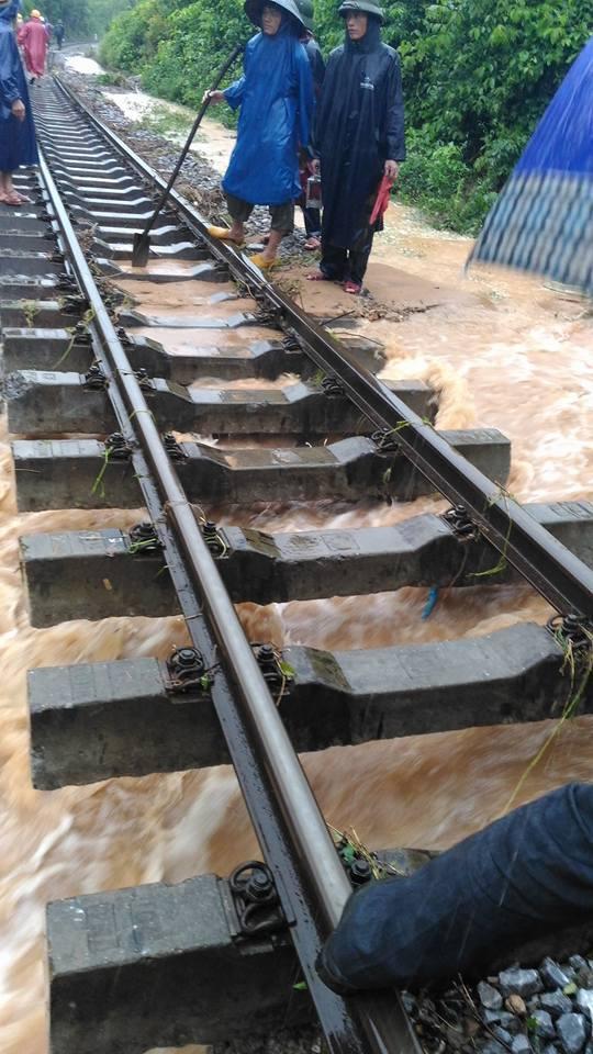 Đường sắt Bắc - Nam tê liệt