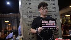 Nơi thực khách bỏ tiền để được phục vụ như... tù nhân