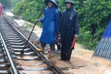 Hủy, cắt ngắn lịch chạy tàu do lũ lụt miền Trung