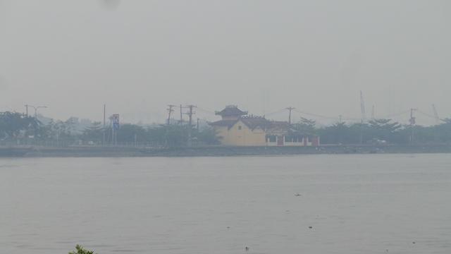 Sài Gòn chìm trong sương mù