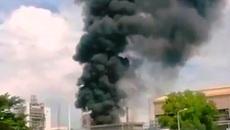Khói đen hàng chục mét sau tiếng nổ lớn trong công ty Vedan
