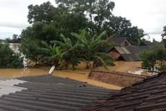 Thủ tướng yêu cầu ứng phó khẩn cấp mưa lũ miền Trung