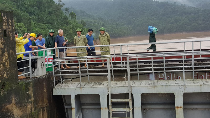 lũ lụt miền trung, ngập lụt miền trung, thủy điện xả lũ, thủy điện hố hô, xả lũ