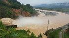 CLIP 'Bom nước' thủy điện xả lũ nhấn chìm nhà dân
