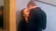 Cặp đôi hôn nhau say đắm và tai hoạ bất ngờ