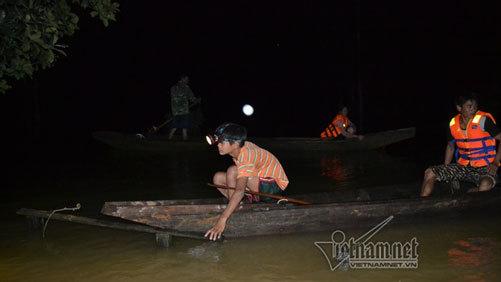 Trắng đêm ở Tân Hóa