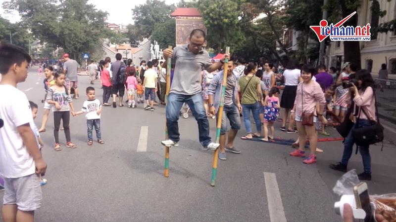 Trò chơi dân gian - bản sắc Việt trên phố đi bộ - ảnh 3