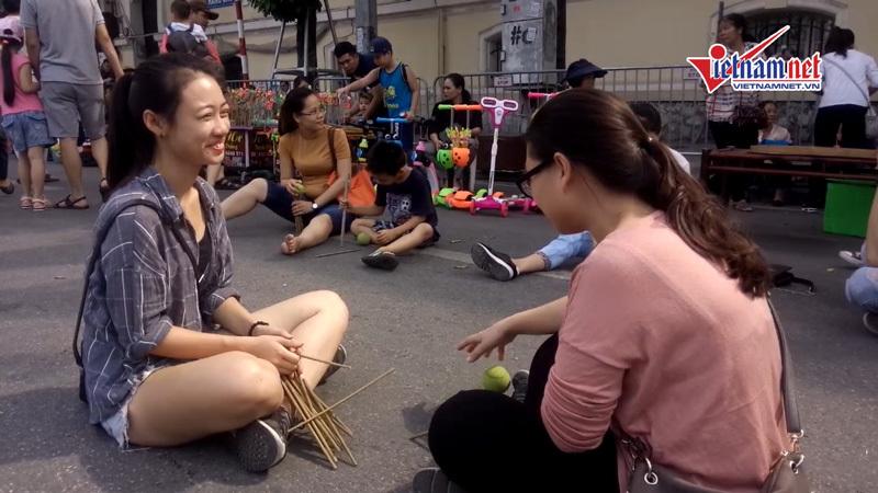 Trò chơi dân gian - bản sắc Việt trên phố đi bộ - ảnh 2