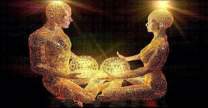Con người có thể 'hút' năng lượng của nhau?
