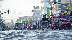 Cửa ngõ phía Nam Sài Gòn hỗn loạn vì triều cường