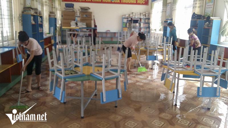 Hậu lũ, nhiều trường vẫn chủ động cho học sinh nghỉ