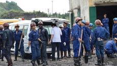 Xe tưới nước lao vào nhà đâm tử vong công nhân