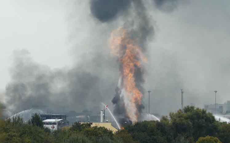 Nổ nhà máy hóa chất, Đức, ô nhiễm, cháy nổ