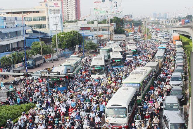 Hà Nội lỗi hẹn tiến độ 8 dự án giao thông cấp bách