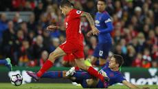 """MU """"xấu xí"""", đừng chửi Mourinho!"""