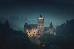 Hình ảnh lâu đài 'ma cà rồng'
