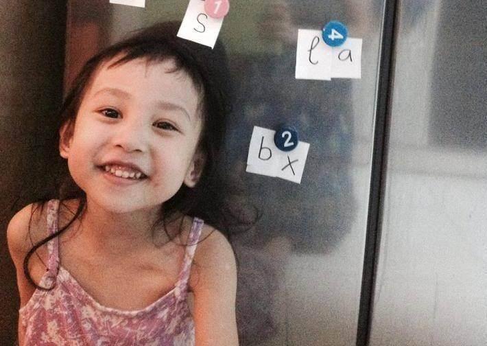"""Cách dạy con 4 tuổi nói tiếng Anh """"như gió' của bà mẹ U30"""