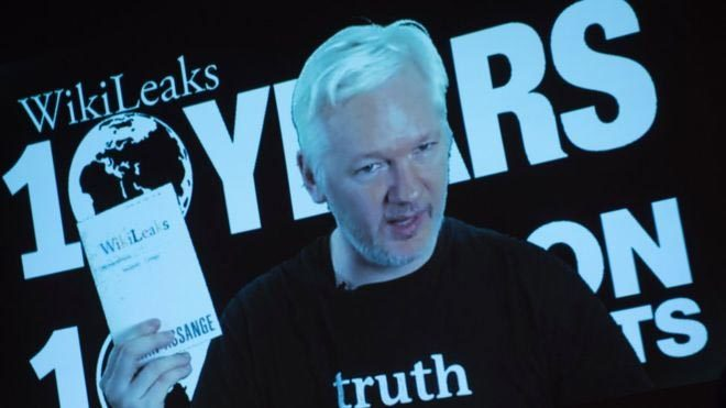 Ông chủ Wikileaks bị chặn kết nối Internet