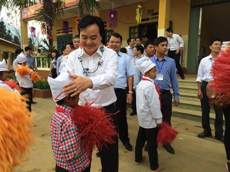 Phùng Xuân Nhạ, Lào Cai, đổi mới giáo dục