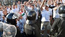 CĐV quá khích choảng nhau với cảnh sát trước trận Real vs Legia