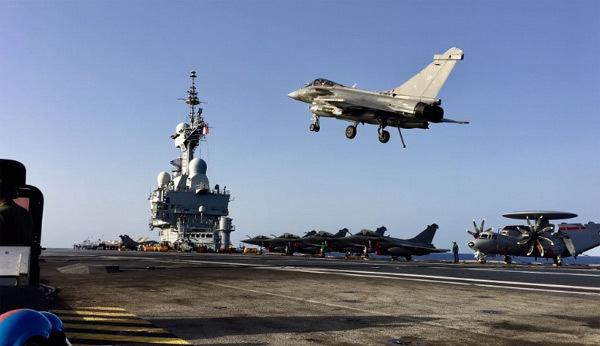 Uy lực khủng của tàu sân bay Pháp hủy diệt IS