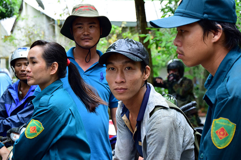 2 ngày cắt rừng, vượt núi tìm phi công vụ máy bay rơi - ảnh 2