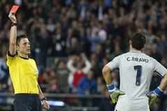 Nguyên nhân khiến Man City thua tan nát trước Barca
