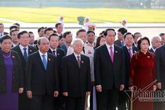 Đoàn đại biểu QH vào Lăng viếng Bác