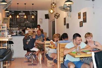 Cựu Bộ trưởng Nga sang Nha Trang mở quán cafe