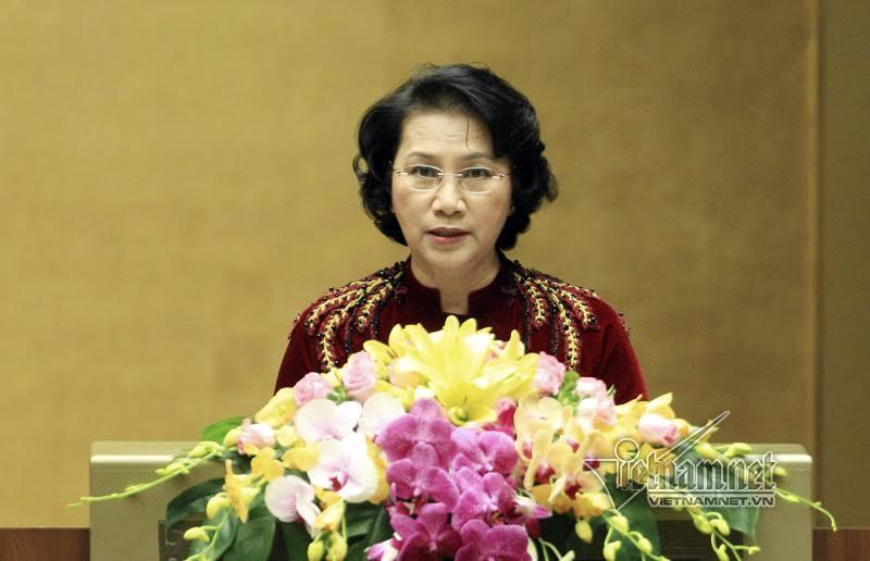 Gần 500 đại biểu QH ủng hộ đồng bào miền Trung
