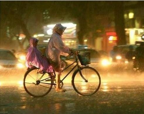 Những khoảnh khắc xúc động về người mẹ Việt Nam