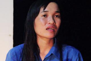Cô gái đầu tiên nhìn thấy trực thăng EC-130T2 ở núi Dinh