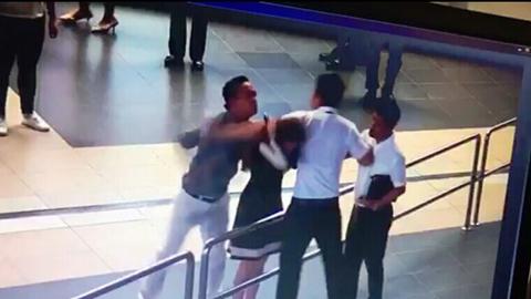 Người đánh nhân viên Vietnam Airlines: Tôi chỉ vỗ vào đầu