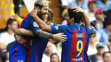 Messi lập cú đúp, trọng tài làm người hùng, Barca thắng nghẹt thở