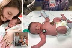 Chuyện khó tin: Bé gái chào đời hai lần