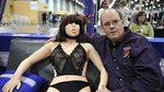 Bị Malaysia cấm cửa, lễ hội robot tình dục di dời sang Anh