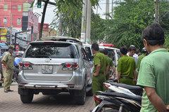 Người nước ngoài tử vong trên ô tô đang chạy trên phố