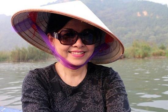 Cận cảnh nhan sắc xinh đẹp người vợ thứ 4 của ca sĩ Chế Linh