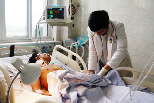 Nam thanh niên gãy xương chậu, vỡ bàng quang do tai nạn